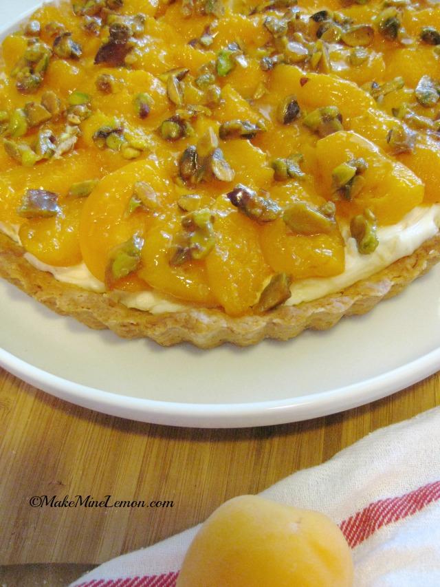 Apricot Tart with Mascarpone and Honey Cream